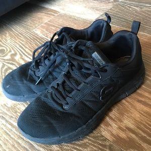 Used Black Skechers Women's 8 blk/blk nonslip